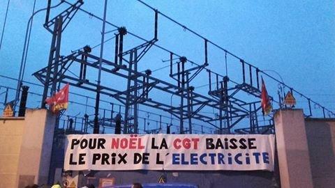 Resultado de imagen de los trabajadores de la electricidad de Francia reconectan el servicio a las familias pobres y bajan el precio